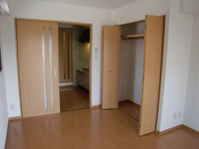 ra0523-023-interior3